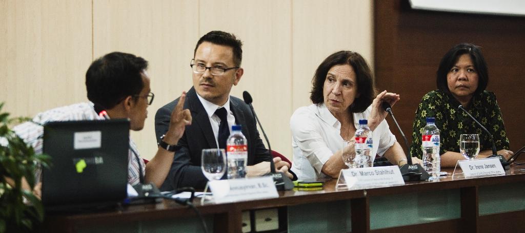 Konferensi pers Dr Jansen, Dr Stahlhut dan Dr Limantara