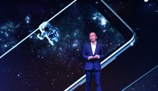 Photo Release 1 - George Zhao, Presiden Honor, dengan bangga meluncurkan tiga produk andalan terkemuka Honor