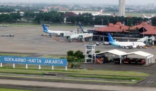 Suasana salah satu terminal di Bandara Internasional Soekarno Hatta, di Tangerang, Banten, Senin (14/3).