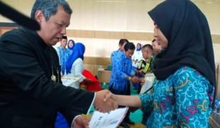 Pemkot Tangsel Berikan Penghargaan Pada Paskibraka 2018 (1)