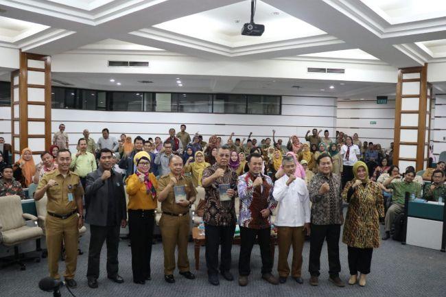 Guru di Tangsel Dilatih Kecerdasan Finansial (3)